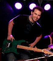 Guitar/Vocals:   Eric Stewart