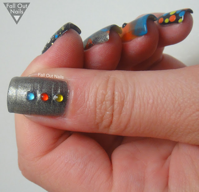 bright-graphite-skittle-nail-art-4