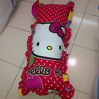 grosir Sarung Bantal Cinta Hello Kitty Merah