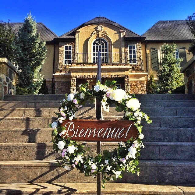 Welcome wedding wreath sign at Castle Cliff Estate Sedalia Colorado