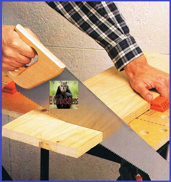 El corujosapiens serrar madera a mano con serruchos for Cortar madera con radial