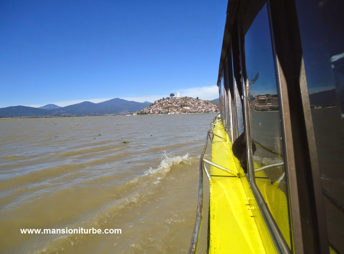 Boat ride to Janitzio Island at Patzcuaro Lake