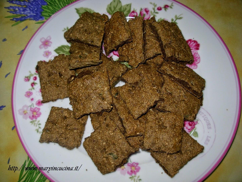 crackers di farro e canapa