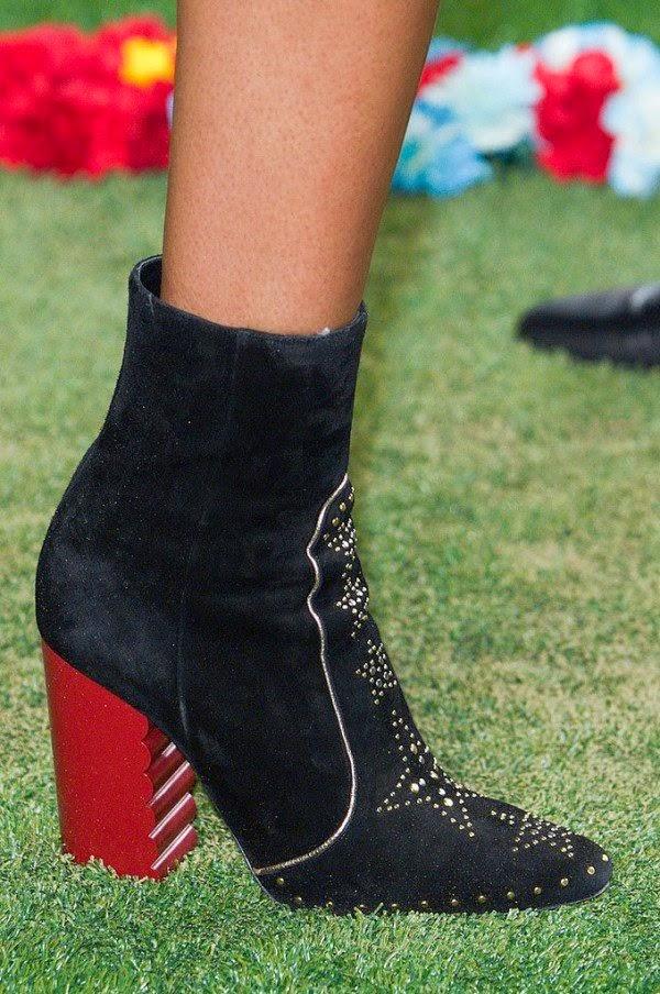 2015 yazlik bayan ayakkabi modelleri bilgilerburada siyah 2015 bayan ayakkabı modelleri, 2015 ayakkabı trendleri, 2015 kadın modası, 2015 modası, 2015 trendleri, ayakkabı, ayakkabı modelleri, new york moda haftası