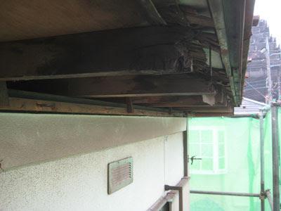 東京都 府中市 屋根工事 雨漏り修理 軒天解体 軒先垂木腐食