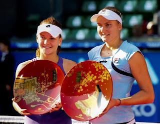 TENIS-Petrova consigue el 12º título en Tokio