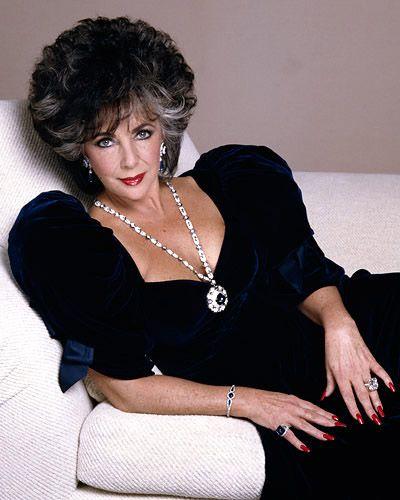 Elizabeth Taylor's Sapphire and Diamond Sautoir by Bulgari, 1969. Photo courtesy: Christie's
