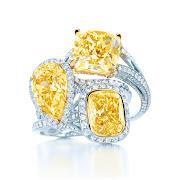 A coleção Diamond by the yard, assinada por Elsa Peretti, ganhou um pingente .