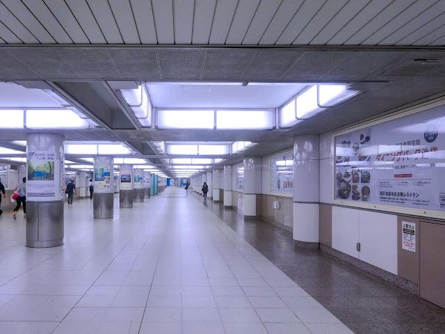 池袋駅コンコース,通路〈著作権フリー無料画像〉Free Stock Photos
