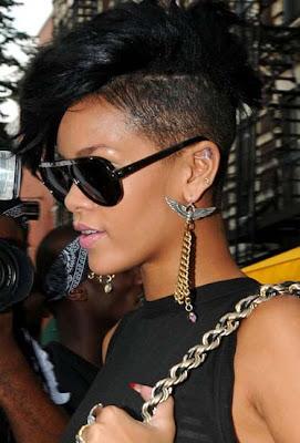 Rihanna Dangling Chain Earrings