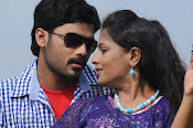 Nuvvena Adi Nivvena Movie Stills-thumbnail-16