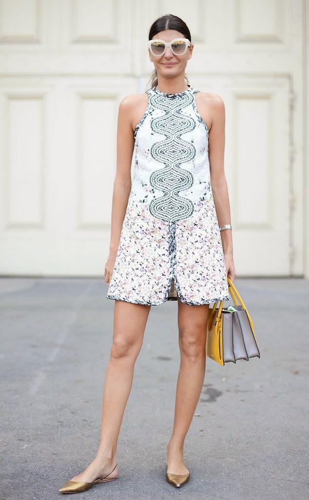 Giovanna Battaglia - Vestido branco curto, flats dourados oculos escuros
