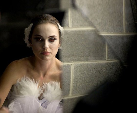natalie portman red eyes. Portman and Kunis look dazzling throughout and the 'red eye' scenes are