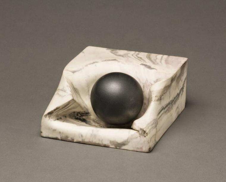 18-Canon-Ball-in-Marble-Victor-Spinski-Clay-Sculptures-replicating-objects-from-Daily-Life-www-designstack-co