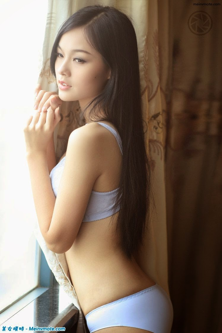 Fragrant underwear model Huanen Jiaoqu
