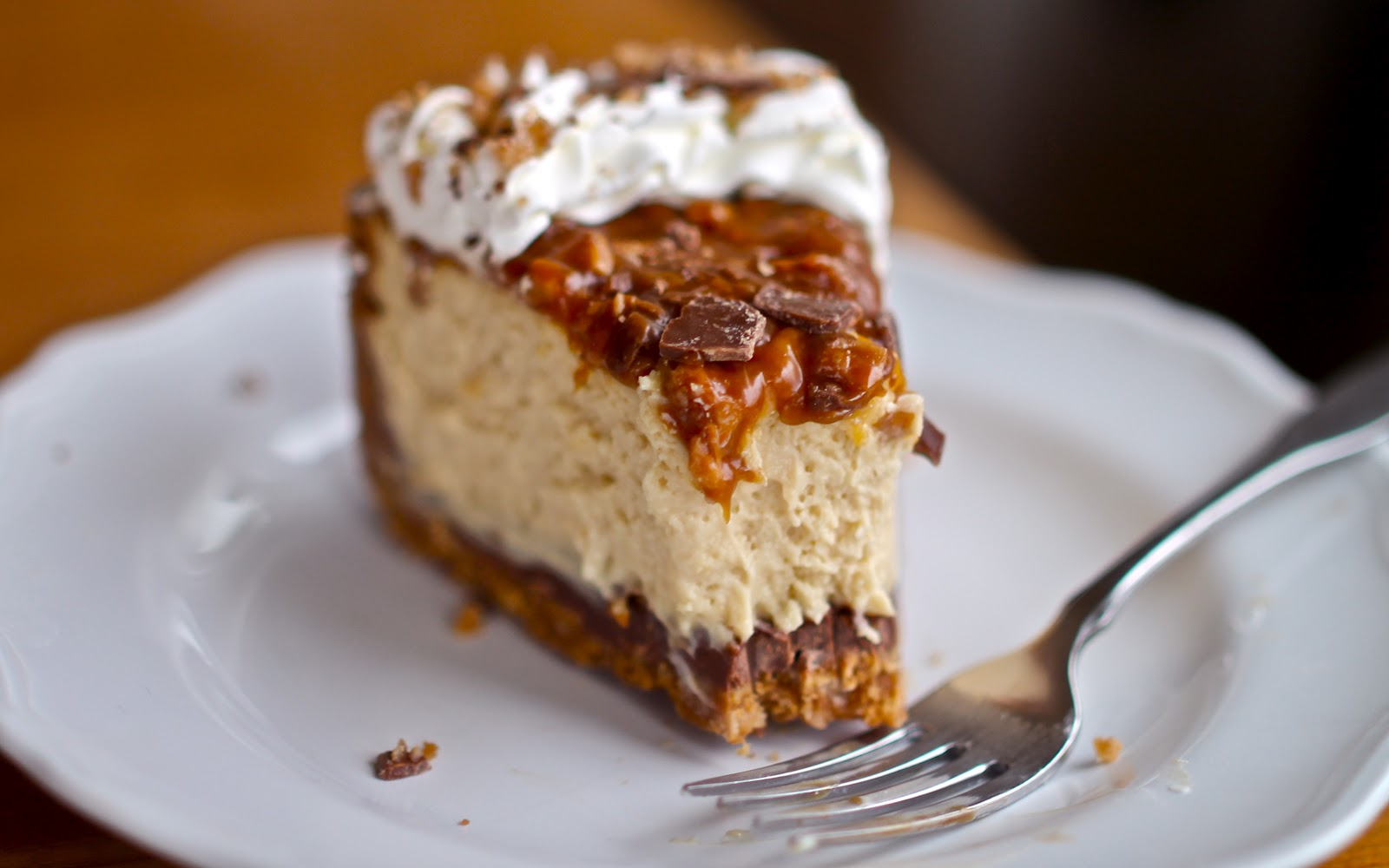Caramel Pecan Crunch Cake Recipe
