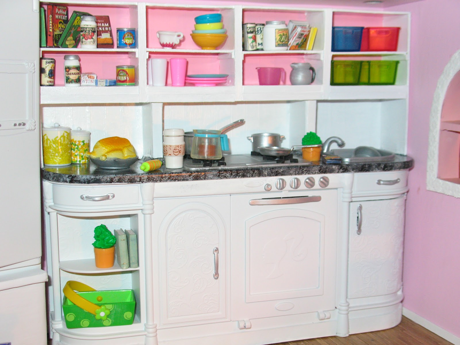 Artsy fartsy barbie 39 s kitchen - S kitchens ...