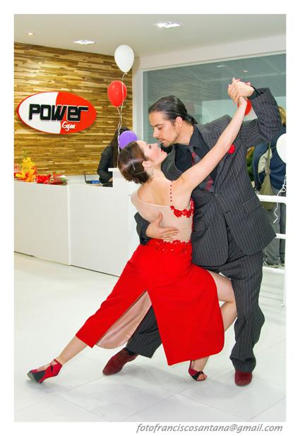 Adriana Leverone y Maximiliano Moreira Tango y Flolklore