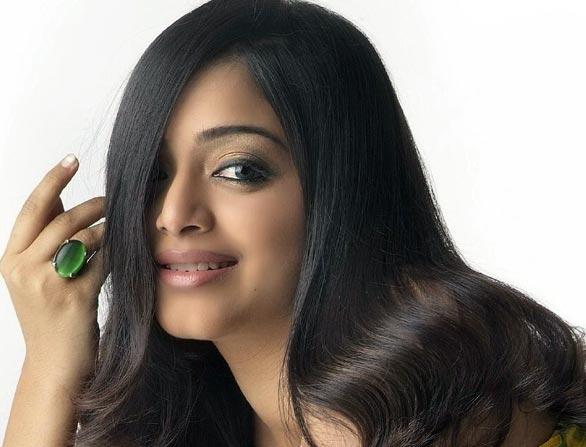 Actress Janani Iyer Hot Photo Gallery hot images