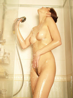 hot chicks - sexygirl-stani_shower_6-717308.jpg