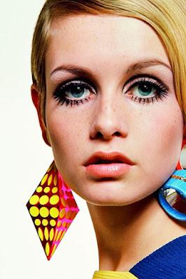 Maquilhagem Como fazer os olhos parecerem maiores como os da Tyggi