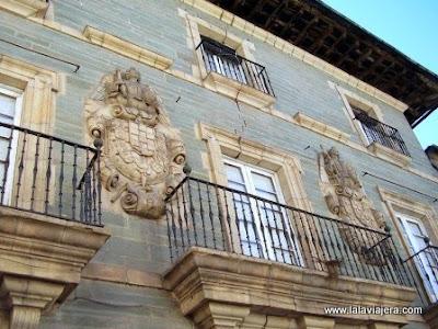 Palacios Escudos Calle Agua Villafranca Bierzo, Leon