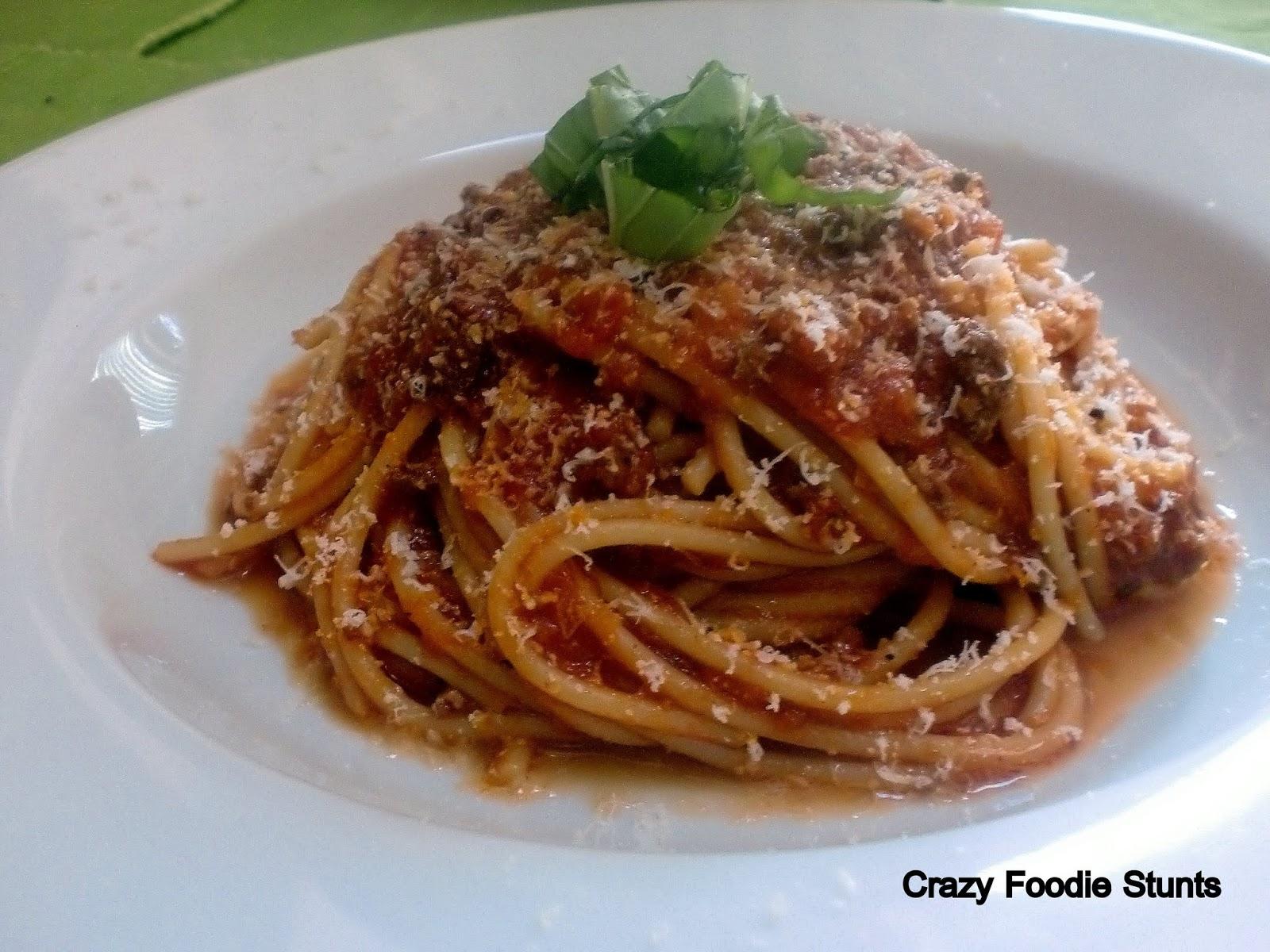 Crazy Foodie Stunts: Spaghetti alla Bolognese
