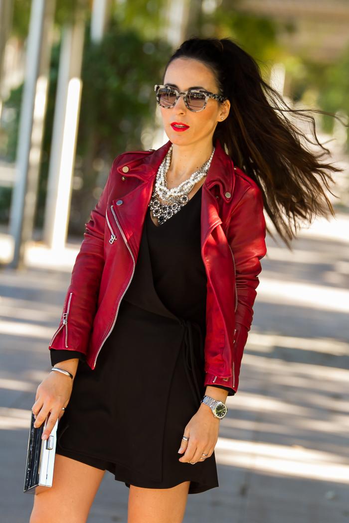 Blogger de moda con estilismo de Navidad