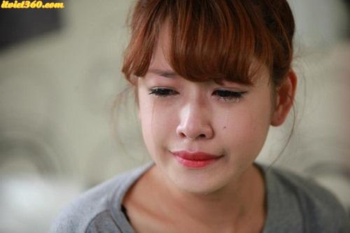 Girl buồn ngồi khóc - những cô gái tâm trạng