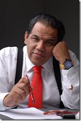 Ronald Méndez Alpire autor del artículo