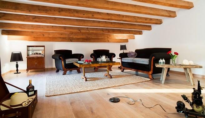 Gallart grupo el blog suelos y puertas de madera en asturias vigas de madera un cambio de - Decoracion con vigas de madera ...