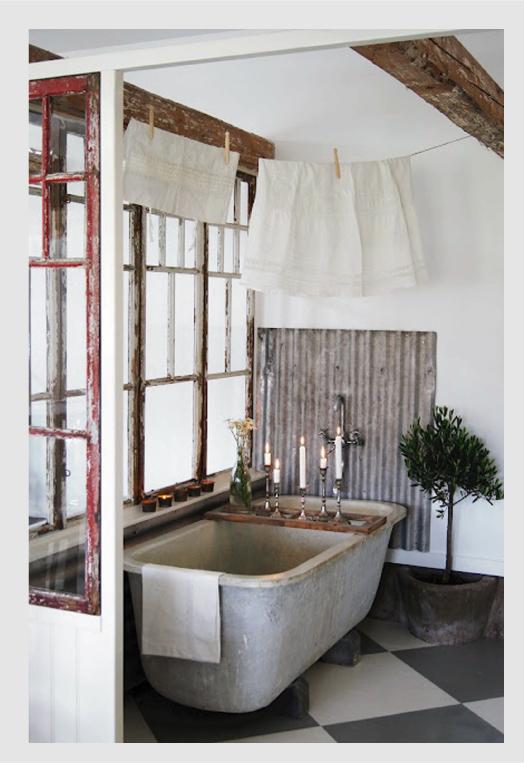 Dedicato a chi ama sognare la vasca vintage blog di for Arredamento stile inglese bianco