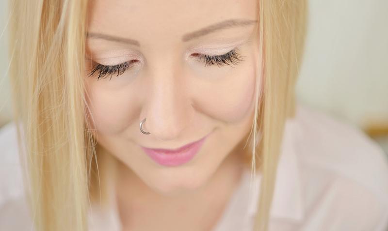 No_MakeUp_Make_Up_Look_Kosmetik_Alltags_dezentes_Make-Up_natürlich_Einzelwimpern_ViktoriaSarina