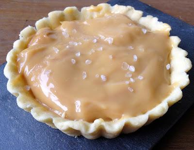 Tartelletes met gezouten karamel