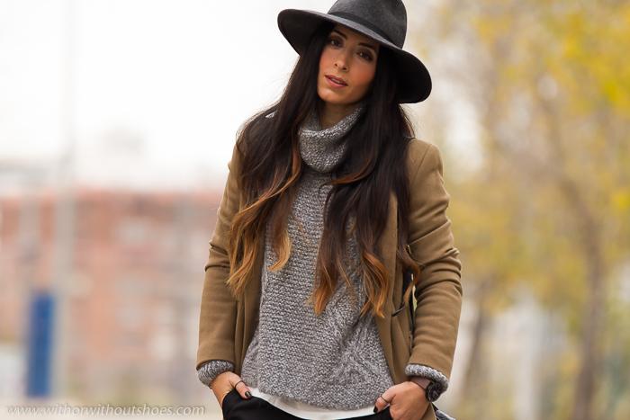BLogger española de Valencia de moda con sombrero y abrigo camel