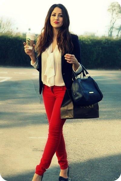 Zaret Sahar u00bfUsar un jean rojo?