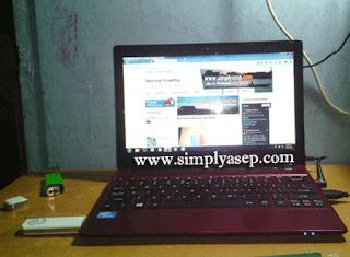Dengan berbekal Komputer saja anda bisa meraih penghasilan di rumah.  Foto Asep Haryono