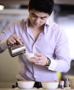 Foto Dan Biodata Lengkap Chef Arnold Poernomo Juri Master Chef Indonesia 2013