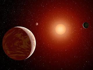 Tres planetas en otro sistema solar