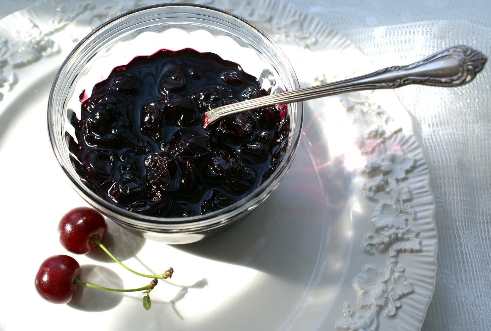 simple sour cherry jam containing only sour cherries and sugar