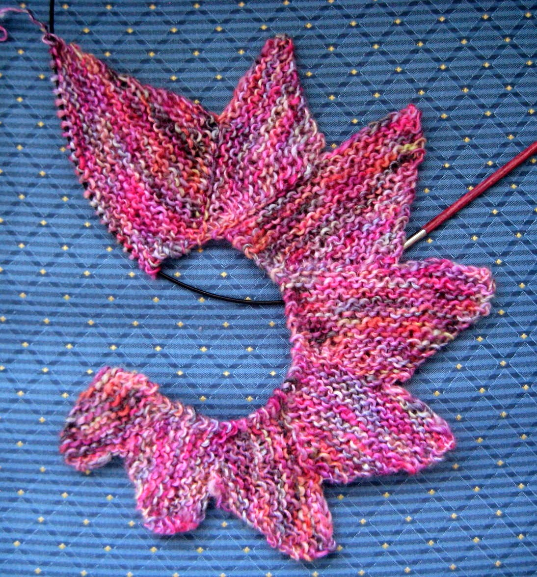 the yarnarian friday what s on my needles