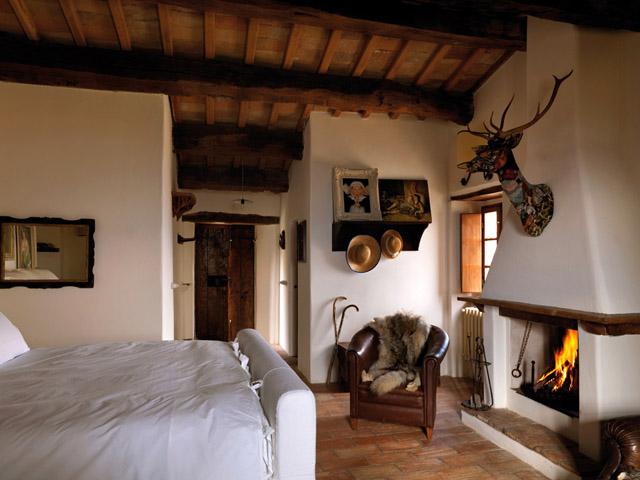 Estilo rustico casa rustica en montefeltro - Casas rusticas interiores decoracion ...