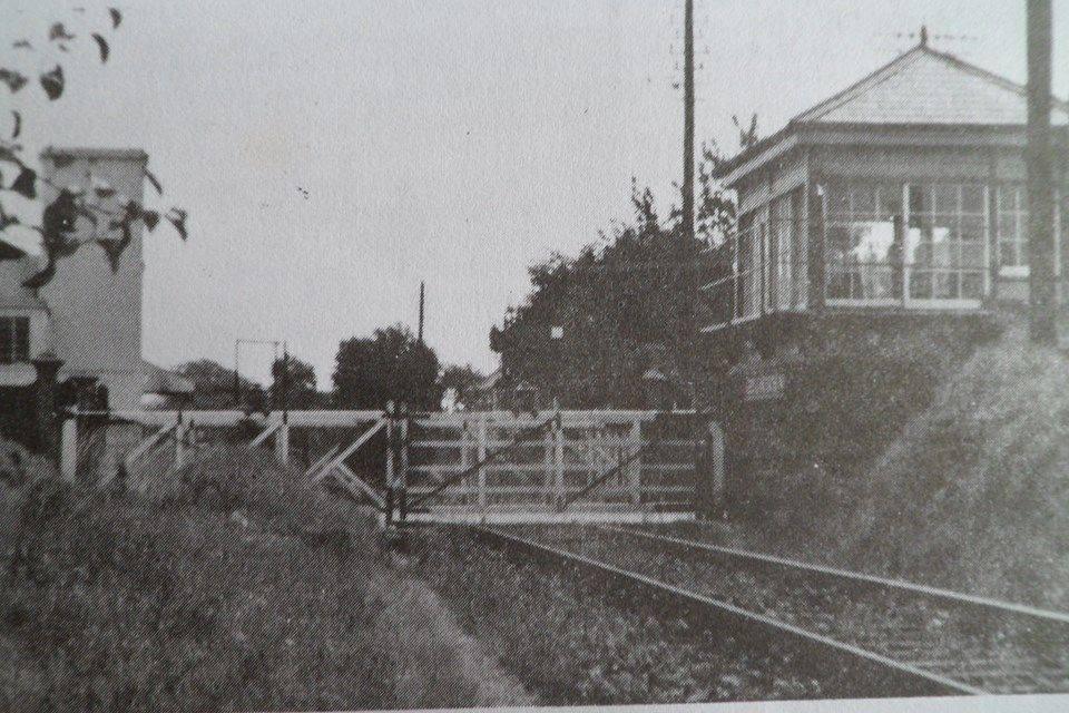 Leeslane Crossing