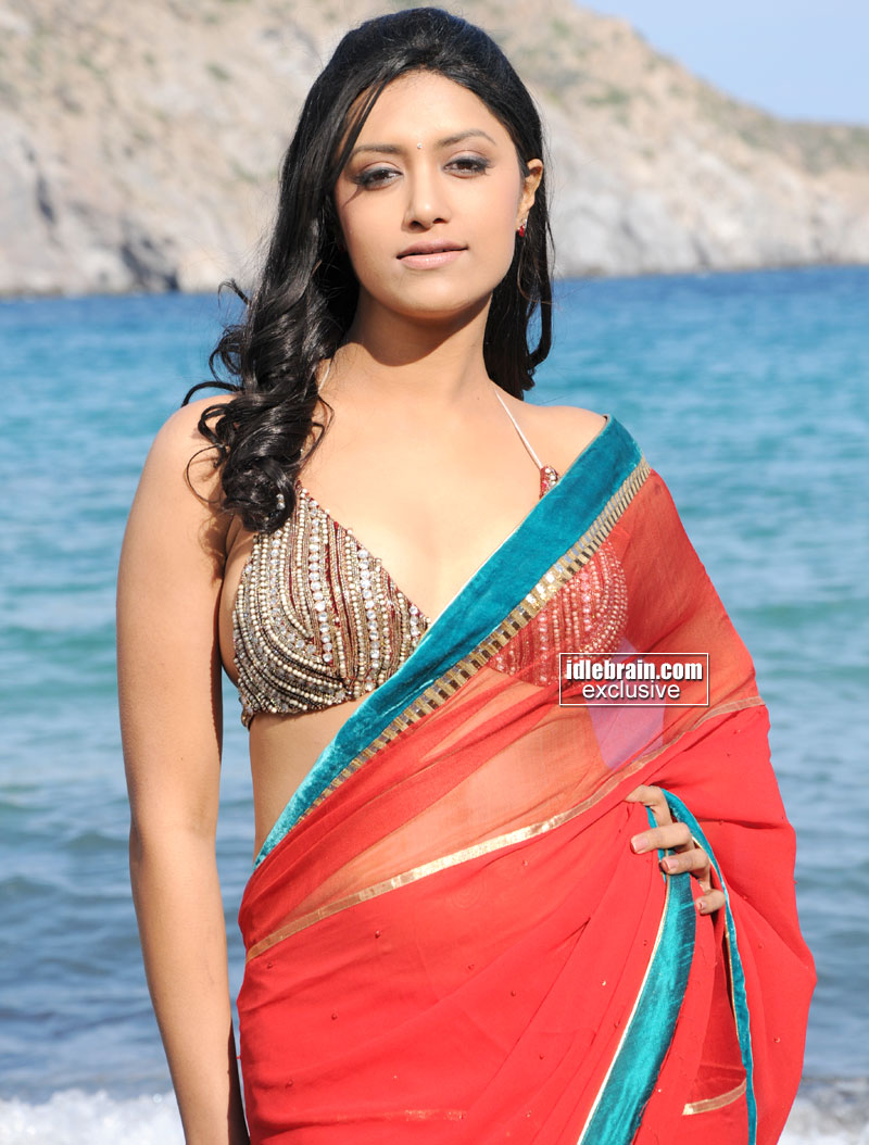Mamta mohandas hot actress