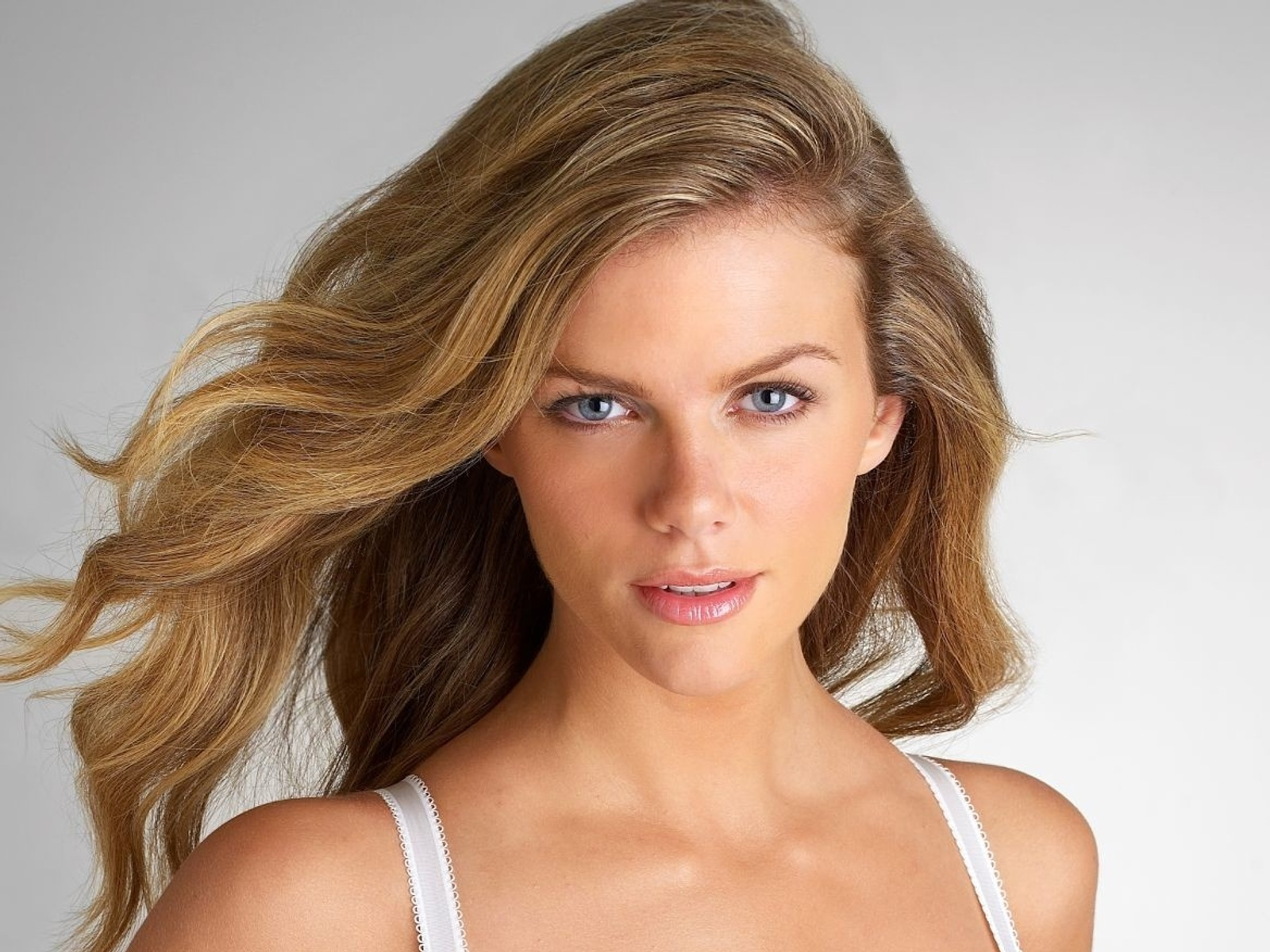 All model and movie stars photo gallery brooklyn decker for Models brooklyn