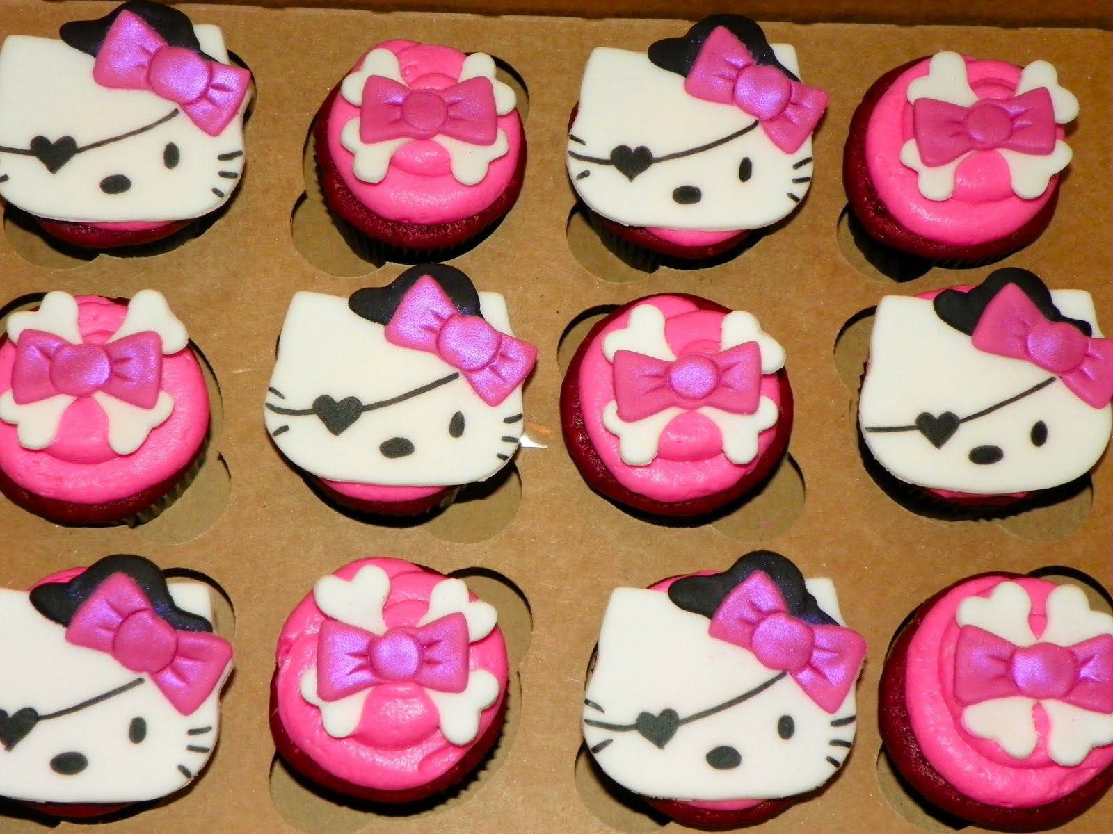 Plumeria Cake Studio: Punk Hello Kitty Cupcakes