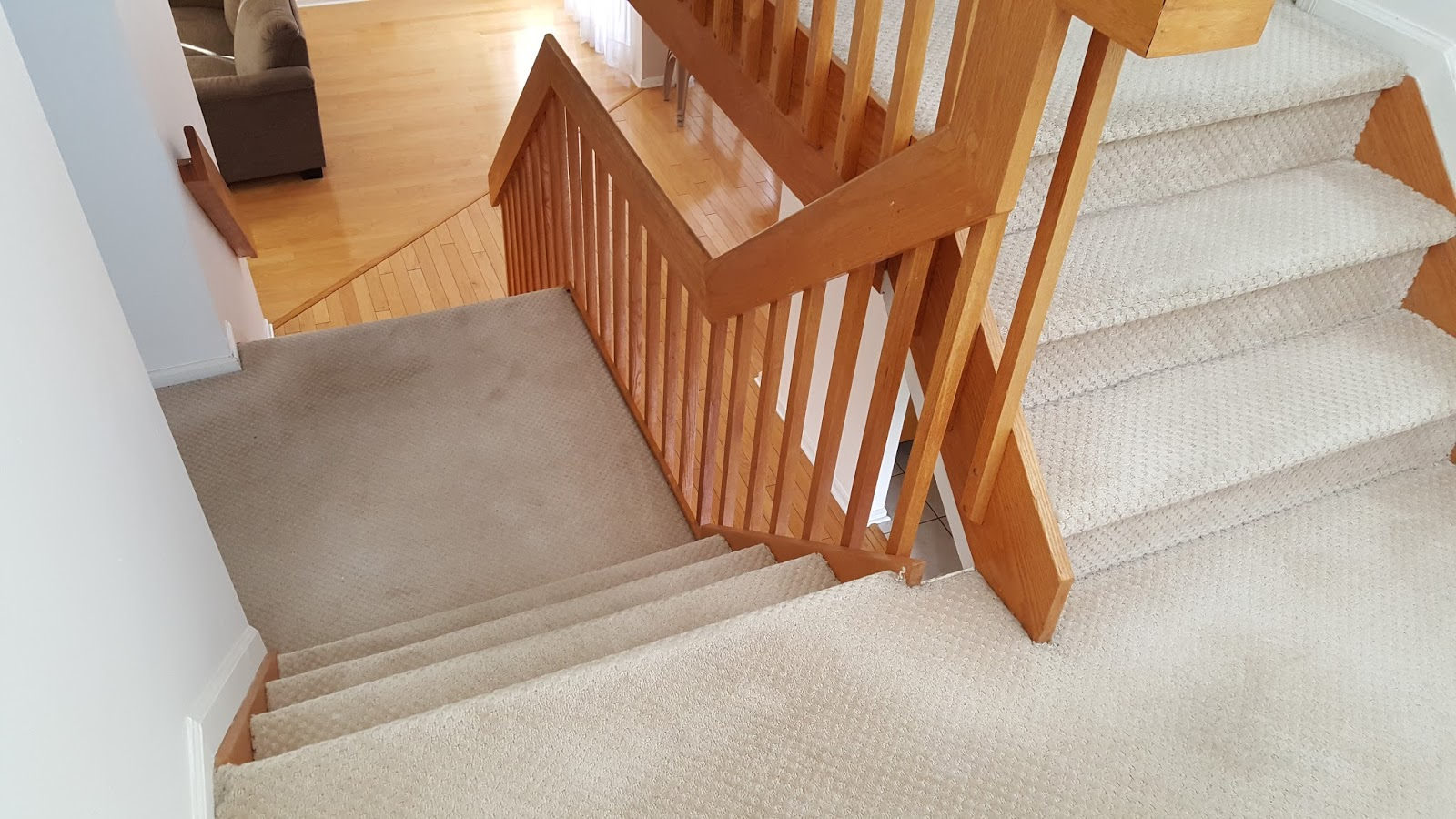Staircase Solid Red Oak ReTread Replacement   Monmouth Junction, NJ
