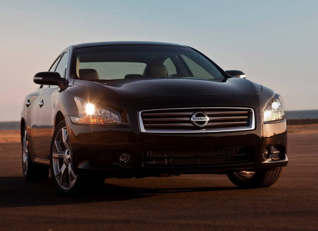Nissan Maxima Luxurious Car Wallpaper 2011