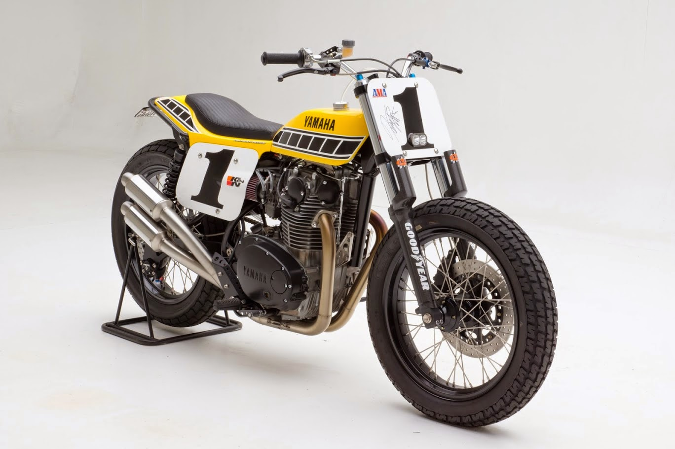Racing Caf    Yamaha XS 650 Dirt Track by Palhegyi Design