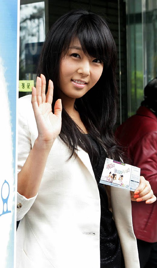 cute and charming kim yubin